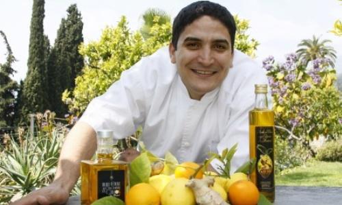 Mauro Colagreco e la sua linea di oli extravergine con zenzero e limone. Argentino di origini italiane, 37 anni a ottobre, moglie brasiliana, neo-papà, lo chef lavora al Mirazur in Francia, 2 stelle Michelin e 24° nella World's 50Best