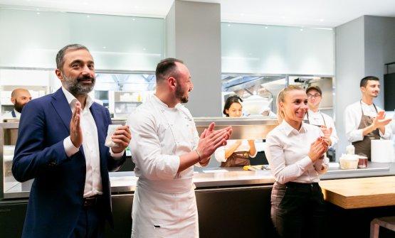 Sulla sinistra, il restaurant manager di Identità Golose Milano, Andrea Amato