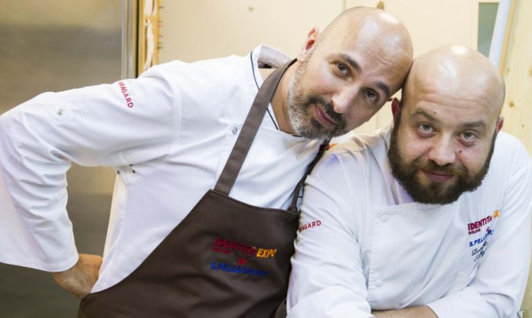 Andrea Ribaldone, a sinistra, con il sous chef Domenico Schingaro