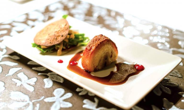 Consistenze di cipolla di Giarratana e pancetta del maialino nero dei Nebrodi