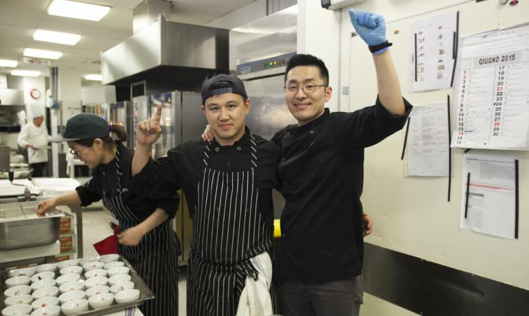 Mingoo Kang and Changho Shin, once colleagues, joined once again in Milan to prepare the dinner for the Korean Food Foundation