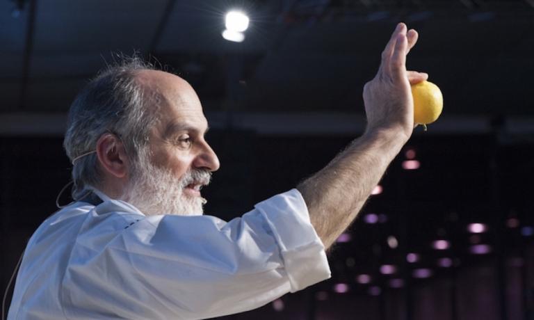 Corrado Assenza sul palco di Identità Golose a Milano