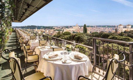 La scenografica terrazza del ristorante Mirabelle,