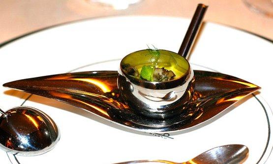 Crema bruciata all'olio d'oliva e garusoli di mare, il piatto di Carlo Cracco e Matteo Baronetto vittorioso al concorso dell'olio a San Sebastian nel 2008