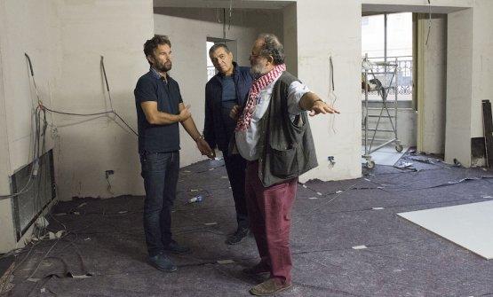 Carlo Cracco, Claudio Ceroni e Paolo Marchi in pieno cantiere