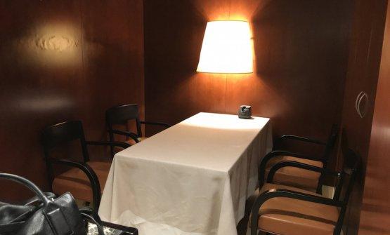 La saletta privata, per un massimo di quattro persone, entrando in cucina sulla destra. Mancherà a tutti quando il Ristorante Cracco riaprirà in Galleria Vittorio Emanuele