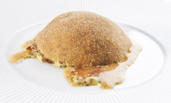 Arancino 2011 di Accursio Craparo, presentato a Identità Milano appunto nel 2011:riso integrale ermes all'olio extravergine d'oliva e pistacchio con ragù di frutti di mare e cagliata ovina, qui la ricetta. È uno degli arancini gourmet dei grandi chef italiani