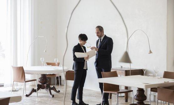 La restaurant manager di CasadonnaCristiana Romito e il sommelier Gianni Sinesi, entrambi premiati nel tempo dalla Guida di Identità Golose(foto Barbara Santoro)