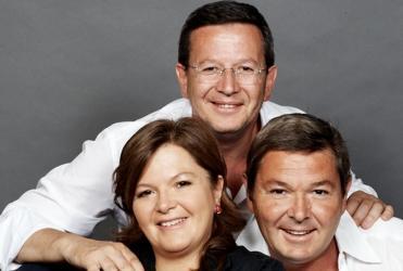 Foto di famiglia con Cristina, Arturo e Paolo Ziliani: dall'incontro tra Guido Berlucchi e l'allora giovane enologo Franco Ziliani è nata una grande storia italiana
