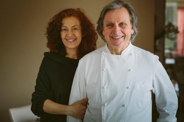 Milena Zanfini e Vincenzo Cammerucci:nel 2010hanno aperto insieme l'agriturismo gourmet Camì (telefono +39.0544.949250), in cui la cucina di Cammerucci, cresciuto con Gualtiero Marchesi e poi apprezzato da pubblico e critica con il Lido Lido di Cesenatico, ha trovato una nuova dimensione (le foto sono di Marco Onofri)