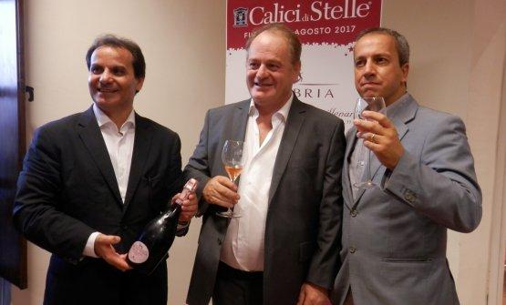 Da sinistra: Nino Cambria, Antonello Cracolici (assessore allePolitiche Agricole della Regione Sicilia) e Maurizio Crimi (Sindaco Furnari)