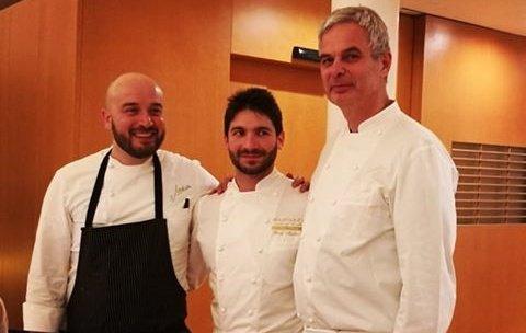 Moliteo tra le due colonne della cucina del Joia: l'executive chef Sauro Ricci, a sinistra, e Pietro Leemann