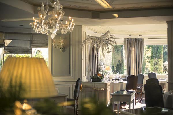 L'elegante sala di Da Vittorio a Brusaporto