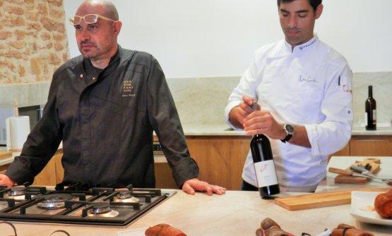 Degustazione di sobrassada con il maestro salumiere Xesc Reina e Andreu Genestra, chef con una stella Michelin