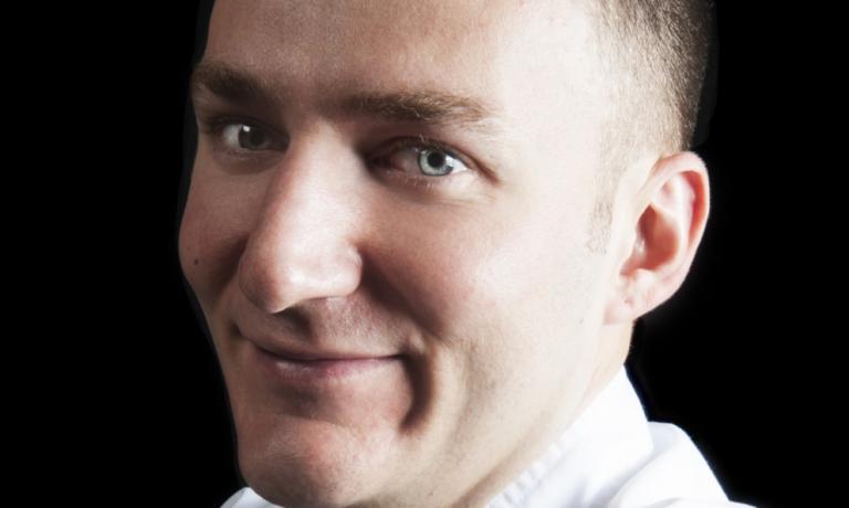Luca De Santi, pasticcere del Ratanà, firmerà pre-dessert e dessert anche di questa cena speciale