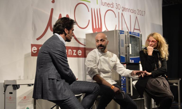 Niko Romito dialoga con Massimo Di Cintio e Antonella De Santis a Meet in Cucina, il congresso della cucina abruzzese che si è chiuso a Chieti