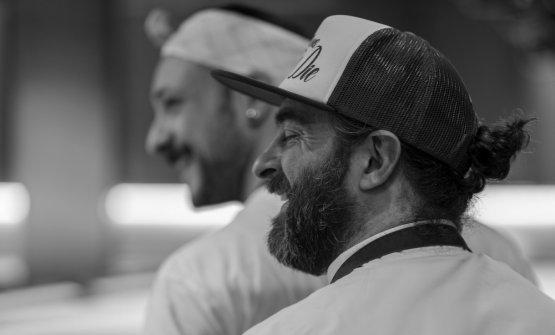 Federico Sisti, in primo piano, compagno di avventure gastronomiche di Diego Rossi