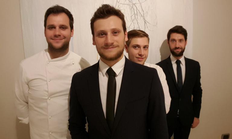 Da destra: Domenico, Alessandro, Saverio e Stefano. I quattro fratelli che gestiscono il ristorante Quintessenza di Trani