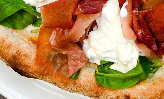 Tania Mauri ci porta alla scoperta della pizza di