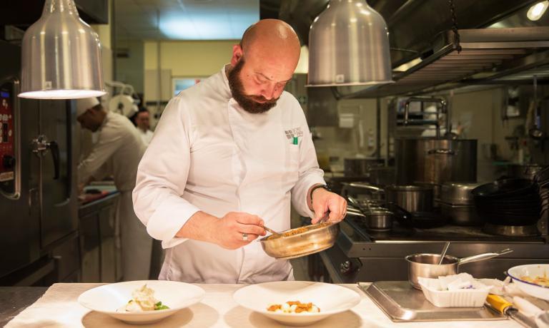 Domigno Schingaro, già al timone con AndreaRibaldone(I Due Buoi di Alessandria) del ristorante di Identità Expo nel 2015