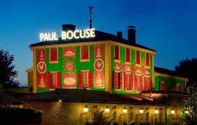 Il suo ristorante alla periferia di Lione, 3 stelle Michelin ininterrotte da 52 anni