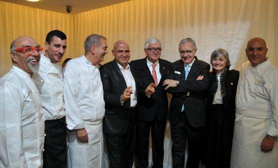 Kedem con illustri colleghi a Montecarlo. Si riconosconoAlain Ducasse (anche lui protagonista a Identità Milano), Antonio e Nadia Santini del Pescatore