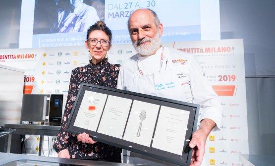 Corrado Assenza con Cristina Viggè, che ha presentato le lezioni di Pasticceria italiana contemporanea e firma quest'articolo
