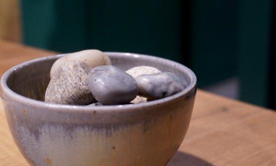Sasso: esterno di burro di cacao, interno dikumquat, a pulire il palato