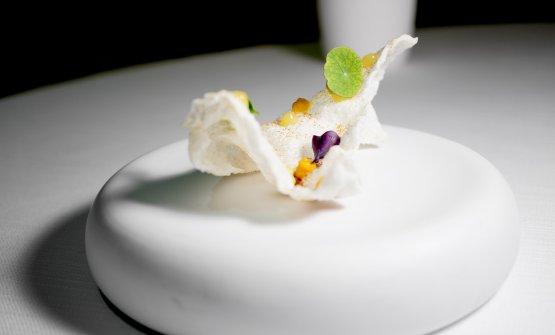 Cialda di riso soffiato Riserva San Massimo, paprika affumicata, zucca bertagnina di Dorno, limone salato di Amalfi
