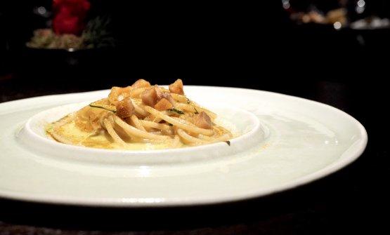 Spaghetti Emidio Pepe,burro affumicato,aringa, polvere di mare