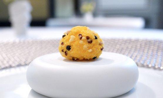 Biscotto salato con Trentingrana, cereali e zafferano