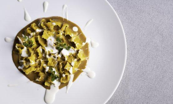Plin di anatra, zuppetta al foie gras e salsa al latte di bufala: il piatto dell'autunnodi Antonino Cannavacciuolo
