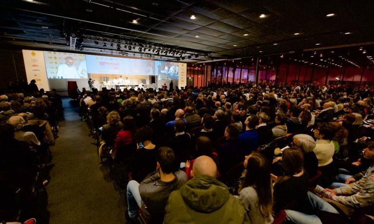 Una panoramica dell'Auditorium di MiCo durante una lezione di Identità Golose Milano 2015