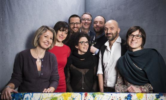 Andrea Cuomo fa anche parte della squadra di Identità Milano, che copre insomma giornalisticamente il congresso di alta cucina più importante d'Italia. Qui è il secondo da destra, edizione 2015