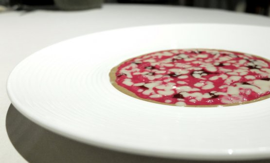 Nuova declinazione del piatto signature per eccellenza di Bartolini: Risotto alle rape rosse e salsa al gorgonzola, versione