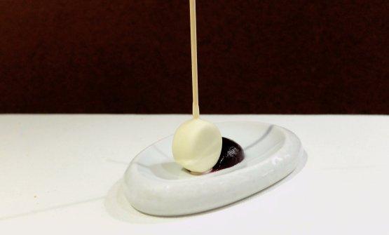 Blu del Monviso, cioccolato bianco, riduzione di Porto