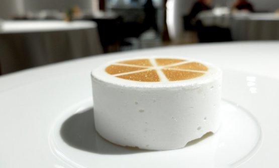 Citrus cake con arance rosse,kumquat, lemon grass, pomelo, finocchio e burro nocciola