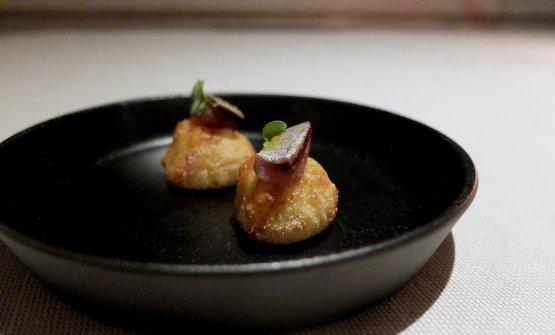 Gnocchi alla romana e pecorino con sarde marinate e gel di lime