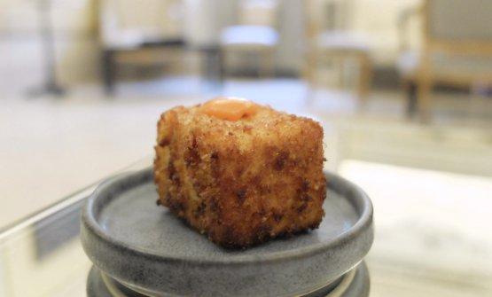 Mozzarella affumicata in carrozza, chutney di pomodoro del Piennolo