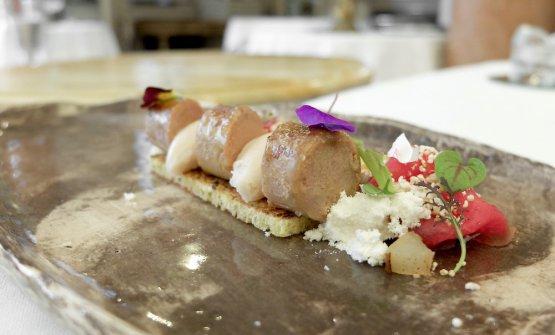 Carpaccio di fassona, terrina di foie gras al Madeira, sorbetto alle pere, pan brioche, polvere di foie gras
