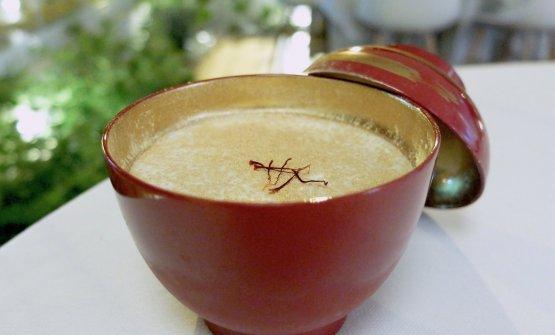 Kyoto: savoiardo alla vaniglia, crema al mascarpone, zafferano di Corleone e caffè bio