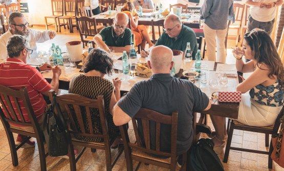 Una delle commissioni riunite a Orosei(foto @andreapiacenza)