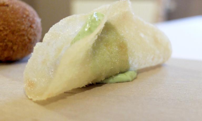 Tacos di pane carasau, crema di bieta, bottarga
