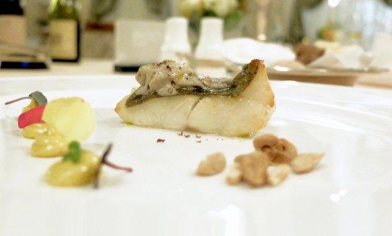 Filetto di San Pietro, astice, mandorle tostate e maionese alle acciughe