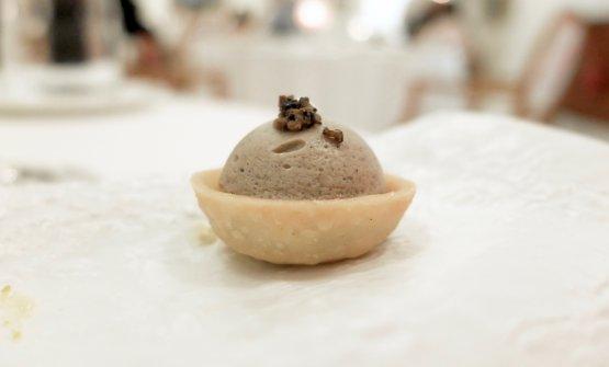 Tartelletta con funghi pioppini, tartufo e parmigiano