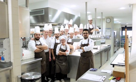 The brigade at La Rei: left to right sous Alessio Bucella, for 5 years with Laera, they were already working together at Villa Crespi. Then Gilvinas Sulcius, Silvio Sedda, Giuseppe d'Onofrio, Giuseppe Pignatello, Damiano Semeraro, Federico Tesse, Stefano Magna, Edoardo Bello, Sofia Bianchi, Tommaso Roberto, George Uta Ionut, Costantin, Alfred, and of course Pasquale Laera
