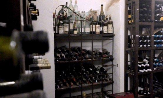 E, tra 1.500 etichette, 25mila bottiglie, c'è anche una raccolta di esemplari storici