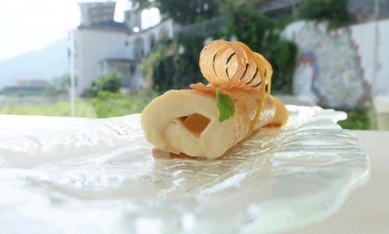 La miacrêpe Suzette: con bavarese all'arancia, sablé di arancia amara e Grand Marnier
