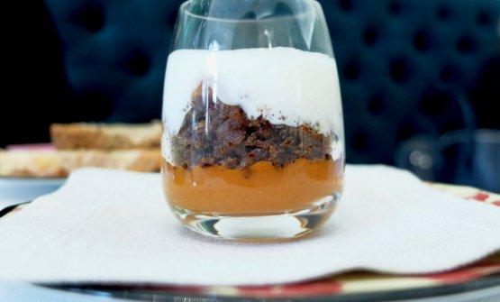 Appetizer: Pomodoro, pane e crema di Parmigiano. Le foto dei piatti sono di Tanio Liotta