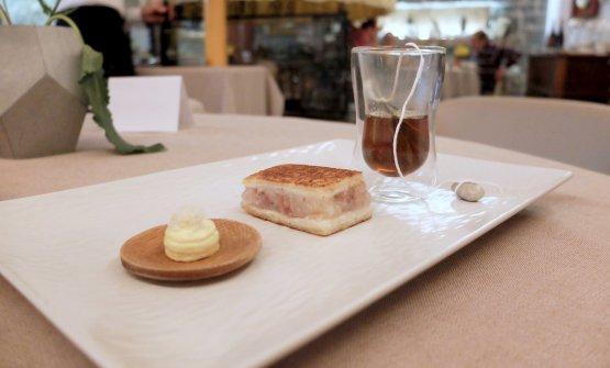 Toast di cotechino e scampi, maionese al kren, infuso di liquirizia. Davvero buono